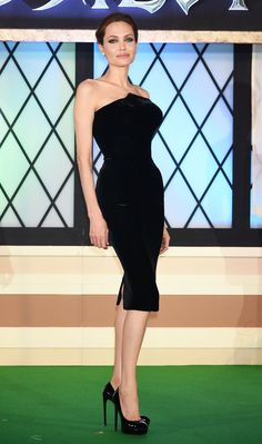 Pin for Later: The Week Brought More Dresses Than Stars Angelina Jolie Angelina Jolie in Atelier Versace at the Tokyo premiere of Maleficent.