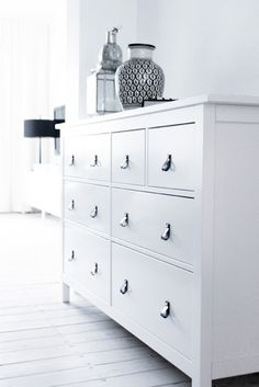 1000 images about mobiliers chambre parentale on pinterest hemnes malm and ikea malm. Black Bedroom Furniture Sets. Home Design Ideas