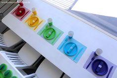 Festa Divertida Mente by Decore & Comemore // Mesa decorada papelaria e peças nas cores de cada personagem. Personagens e móveis disponíveis para locação. Jogo americano e descartáveis à venda na loja.