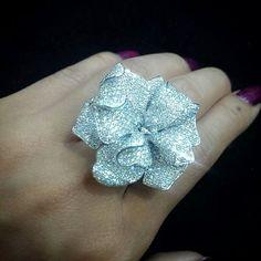 A flower ring #diamonds #diamond #jewellery #jewelry #jewelleryshop #ring #flower #madeinmyanmar #finejewelry
