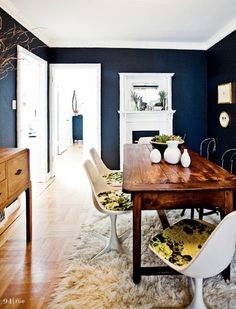 navy blue dining room. by janet