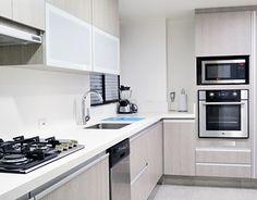 Kitchen design with white quartztone countertop http://on.be.net/1P79NiP