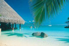 Piscine à fond de sable à Tahiti