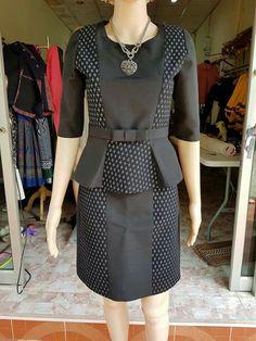 Kbku3 Blouse Batik, Batik Dress, Batik Fashion, Work Fashion, Dress Batik Kombinasi, Dress Brukat, Model Kebaya, Dress Pesta, Custom Dresses
