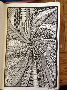 Zentangle Drawings, Doodles Zentangles, Abstract Drawings, Doodle Drawings, Easy Drawings, Cool Designs To Draw, Doodle Art Designs, Doodle Patterns, Zentangle Patterns