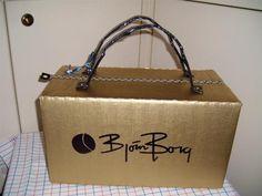 sinterklaas suprise Bjorn Borg tas Reborn Dolls, Reborn Babies, Baby Dolls, Miniature Houses, Miniature Dolls, Homemade Christmas Crafts, Bjorn Borg, Newspaper Basket, Cardboard Art