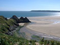 Three Cliffs Bay, The Gower Peninsular, Wales. Campsite on the cliff edge is an amazing location if you don't mind the a slight slope! Camping Signs, Camping Places, South Wales, Wales Uk, Most Beautiful Beaches, Beautiful Places, Visit Wales, England Ireland, Beaches In The World
