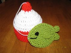 Fishing bobber with fish hat crochet by crochetcreationsbyge, $12.00