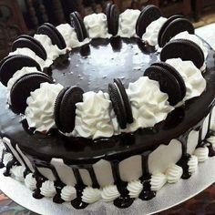 Oreo Cake Oreo Cake, Awesome Cakes, Vanilla, Birthday Cake, Desserts, Food, Birthday Cakes, Deserts, Dessert