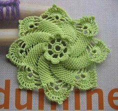 Crochet flower with diagram