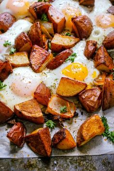 Brunch Dishes, Breakfast Dishes, Brunch Recipes, Egg Recipes, Dinner Recipes, Breakfast Potatoes, Paleo Breakfast, Breakfast Recipes, Breakfast Ideas