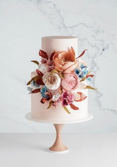 5 Wedding Cake and Dessert Makers You Can Get to Sweeten Your Big Day - cake art - Cake Design Wedding Cake Images, Wedding Cake Pops, Pretty Wedding Cakes, Black Wedding Cakes, Amazing Wedding Cakes, Wedding Cake Rustic, Elegant Wedding Cakes, Wedding Cakes With Flowers, Elegant Cakes