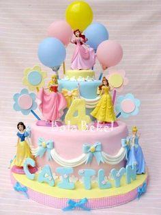 18 Ideas cake pops princess for 2019 Disney Princess Birthday Cakes, Birthday Cake Girls, 4th Birthday, Princess Party, Disney Princess Cakes, Disney Princesses, Birthday Ideas, Disney Cakes, Crazy Cakes