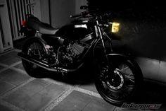 Yamaha Motorcycles, Cars And Motorcycles, Retro Bike, Custom Bikes, King, Vehicles, Castle, Model, Art