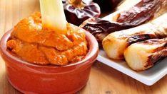 Spanish Cuisine, Spanish Food, Halloumi Burger, Tapas Party, Raw Nuts, Paella, Mashed Potatoes, Zucchini, Bacon