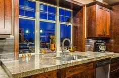 Excalibur Custom Home | Nanaimo | Ridgeview - undermount sink, beautiful granite countertops