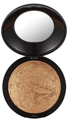 Body Bronzer Tip: Apply to areas where the sun naturally hits, such as your face, decolleté, shoulders and arms.