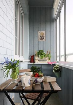 Home OfficeBalcony design is unquestionably important for the look of the house. There are therefore many beautiful ideas for balcony design. Here are many of the best balcony design. Narrow Balcony, Small Balcony Design, House With Balcony, Balcony Garden, Balcony Ideas, Ideas Terraza, Interior Balcony, Apartment Balconies, Outdoor Living