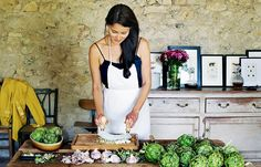 The French Girl's Guide to Entertaining via @MyDomaine