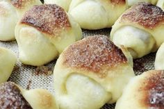 Facturas Archivos | RecetasArgentinas.net Kitchen Recipes, Baking Recipes, Bake Croissants, Argentina Food, Argentina Recipes, Pan Relleno, Sweet Dough, Pan Dulce, How To Make Bread