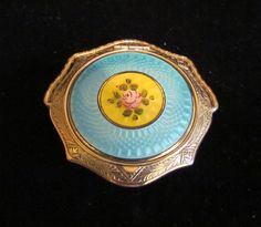 Vintage Guilloche Compact Powder Compact  Rouge Compact Mirror Compact Art Deco Compact with Stand 1920s Mint Condition.