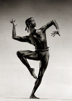 Mel Tomlinson, 1988 North Carolina Dance Theater A pose from Satto by Salvatore Aiello - King Douglas Potography