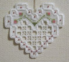 heart hardanger Types Of Embroidery, Learn Embroidery, Embroidery Patterns Free, Embroidery For Beginners, Embroidery Techniques, Embroidery Stitches, Hand Embroidery, Embroidery Designs, Bookmark Craft