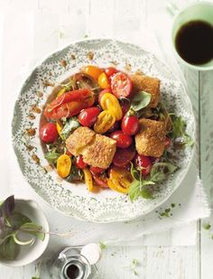 Slaai met bros halloumi en gemengde tamaties | SARIE KOS | Salad with halloumi and mixed tomatoes