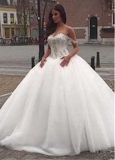 Vintage Tulle & Satin Off-the-shoulder Neckline Ball Gown Wedding Dresses With Beaded Lace Appliques