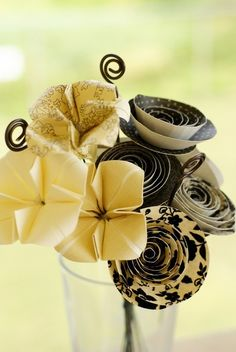 Bridesmaid's bouquets, preferred, (maybe shed one rosette and one flower) flowers centerpiece Items similar to Beauty- Origami/Sculpted Flower Bouquet on Etsy Rare Flowers, Diy Flowers, Pretty Flowers, Fabric Flowers, Origami Flower Bouquet, Origami Butterfly, Paper Bouquet, Crafts To Do, Paper Crafts