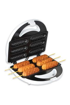 @Kailan Reynolds get a good look at a future wedding present. who DOESNT want a corndog maker?!