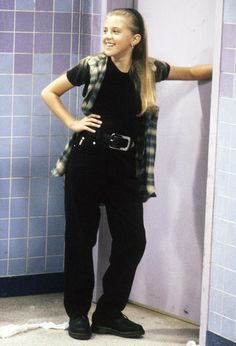 Full House Stars: Then and Now : Jodie Sweetin (Stephanie Tanner) 80s And 90s Fashion, Fashion Tv, Fashion Outfits, Retro Outfits, Grunge Outfits, Stephanie Tanner Full House, Dj Tanner, 90s Inspired Outfits, Estilo Grunge