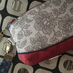 Drum roll please...*🥁 🥁🥁🥁🥁🥁🥁*May I present to you the Lush 'n Lacey Lucinda clutch. With her 'grey my flower' 'floral delight' faux lace fabric and burgundy cork she is 50 Sh...