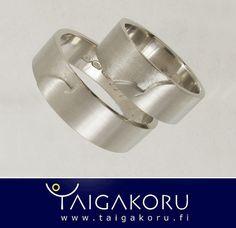 KVS99 Pyhätunturi, sormukset, valkokulta. White gold wedding rings. by TAIGAKORU, via Flickr