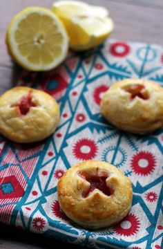 Everything is better in bite-sized form! Eat your favorite spring fruit in these juicy two bite rhubarb cream cheese hand pies.