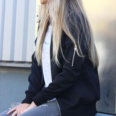 http://www.onlinemusthave.nl/product/perfect-black-bomber-jacket/ NEW NEW NEW! Dit super leuke bomber jack scoor je nu in onze shop! new bomber jack fashion trend style