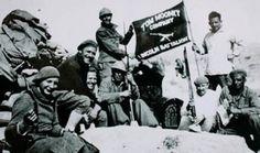 Batallón Abraham Lincoln, voluntarios de EEUU se denominó Brigada Lincoln a todas fuerzas de EEUU integradas en XV Brigada.se concentraron 1936 en Figueras (Gerona) continuando instrucción con resto de brigadistas otras naciones en Albacete.acuartelados en Tarazona y Villanueva de la Jara. instrucción militar pobre, comandantes Robert Hale Merriman y Oliver Law, competente Steve Nelson se hizo cargo. Feb1937  450 miembros, final contienda 2.500.Batalla del Jarama, Brunete, Belchite y Teruel.