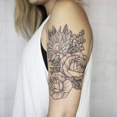 Sunflower & roses piece.  Graeme maunder, #floraltattoo #botanical tattoo…