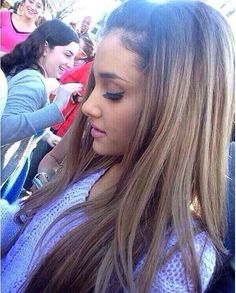 Her hair color is perfect ❤