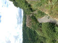 Il borgo di Calcata, antico insediamento dei Falisci #scoprirelatuscia Country Roads, Places, Lugares