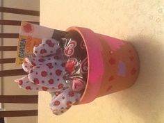 Money saving valentine gift for teachers. Kids decorate the pot, and assemble. Cost $1.50