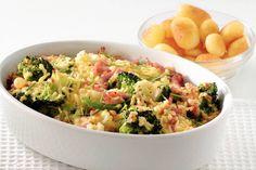 Kijk wat een lekker recept ik heb gevonden op Allerhande! Bloemkool-broccolischotel met ham en kaas