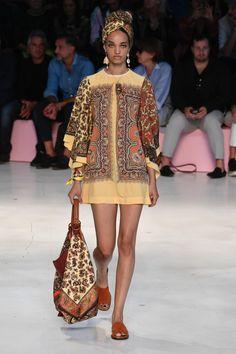 Etro, Primavera/Estate Milano, Womenswear - Another! Women's Runway Fashion, Fashion Wear, Look Fashion, Diy Fashion, Fashion Outfits, Womens Fashion, Fashion Design, Fashion Trends, Ethnic Trends
