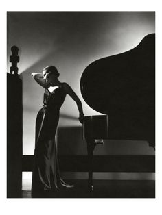 competitive price 78ea4 142f3 Vogue - November 1935 Poster Print by Edward Steichen at the Condé Nast  Collection Glamour Vintage