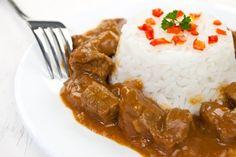 Bravčový guláš s ryžou