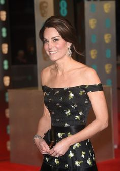 Kate Middleton Uses Bizarre Beauty Trend: Trying To Look Younger Than Meghan Markle?