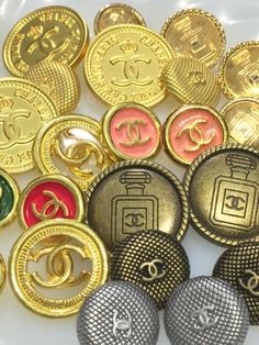 新入荷VINTAGE CHANEL BUTTON VOL.1