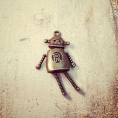 2 - Robot Charms Bobble Wiggle Cute Doll Antique Bronze Charm Small Robot Jewelry Supplies A117