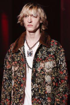Gucci Fall 2016 Menswear Fashion Show Details