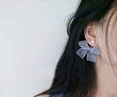 Mini Bead Bar Stud earrings in Gold fill, short gold bar stud, gold fill bar post earrings, gold bar earring, minimalist jewelry - Fine Jewelry Ideas Bar Stud Earrings, Simple Earrings, Pearl Earrings, Silver Earrings, Silver Jewelry, Jewelry Gifts, Jewelry Accessories, Fine Jewelry, Jewellery